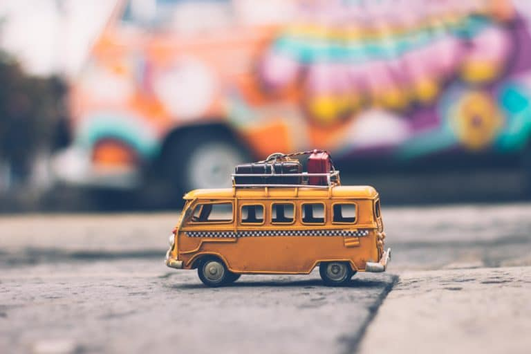 bus jaune miniature