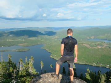 Point de vue du sommet du mont Menaud sur les lacs