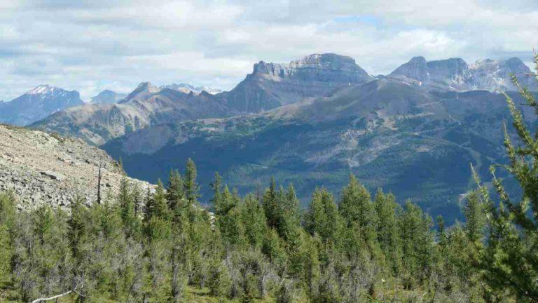 Montagne environnantes du lac Louise