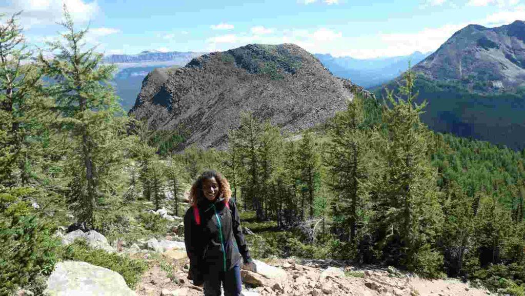 Maëva pendant la randonnée du mont Fairview