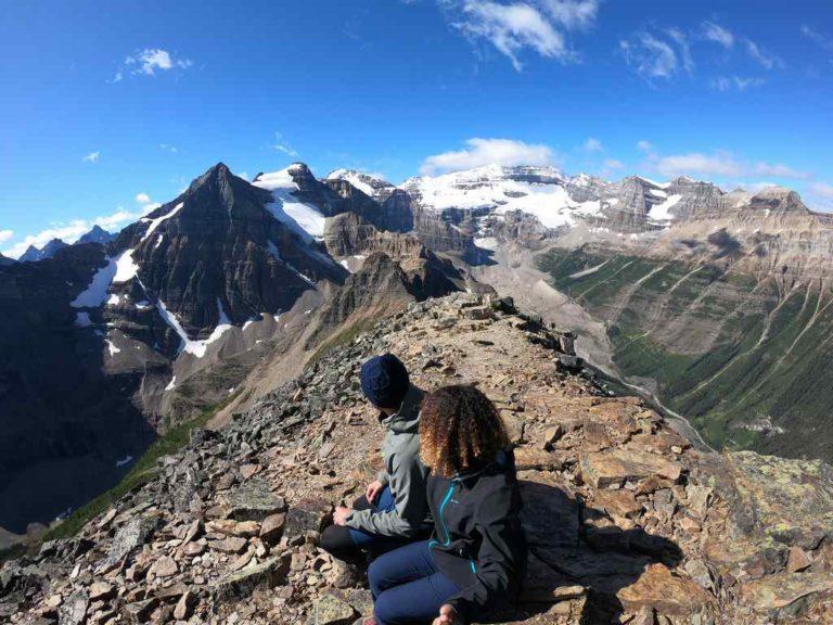 Vue de Maëva et Anthony au sommet du mont Fairview