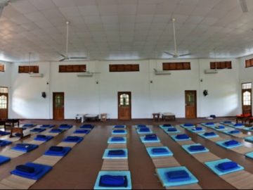 meditation-vipassana-hall
