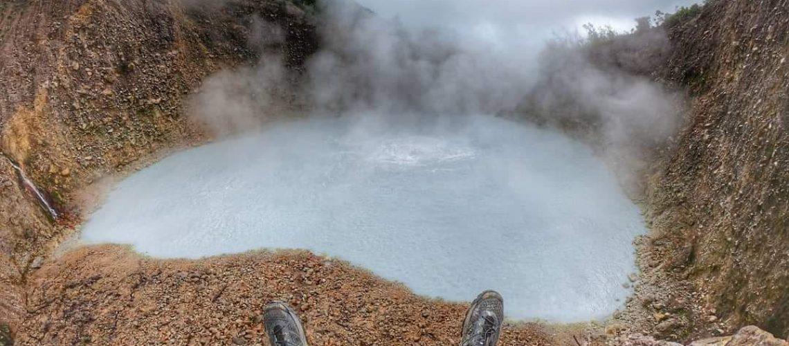 boiling lake -lac bouillant